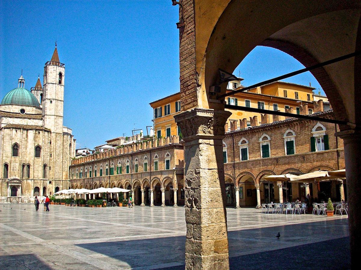 Piazza Ascoli Piceno